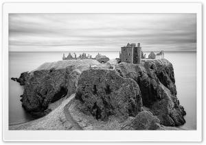 Dunnottar Castle Black and White
