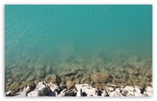 Download Mountain Beach UltraHD Wallpaper