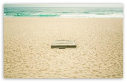 Download On The Beach UltraHD Wallpaper