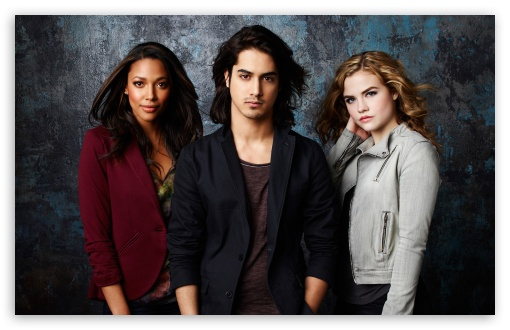 Download Twisted TV Show Cast UltraHD Wallpaper