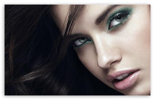 Download Adriana Lima 2012 UltraHD Wallpaper