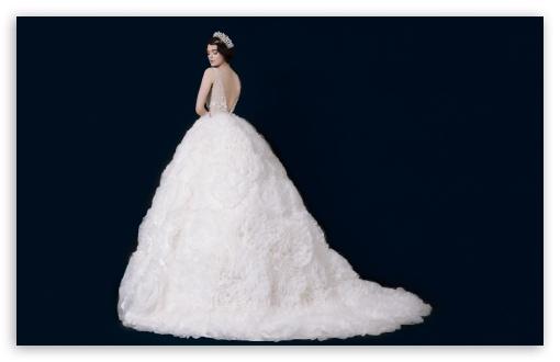 Download Unique Wedding Dress, Bride UltraHD Wallpaper
