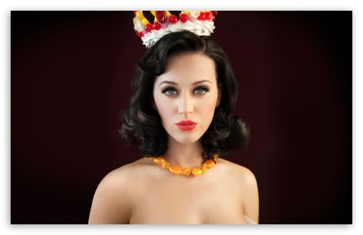 Download Katy Perry Queen UltraHD Wallpaper