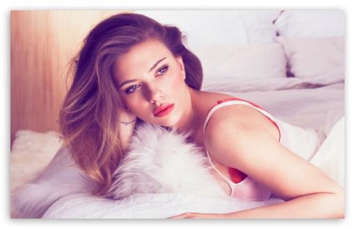 Download Scarlett Johansson Hot UltraHD Wallpaper
