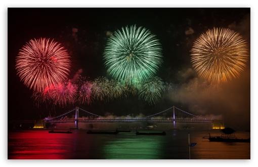Download Fireworks UltraHD Wallpaper