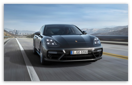 Download 2017 Porsche Panamera UltraHD Wallpaper