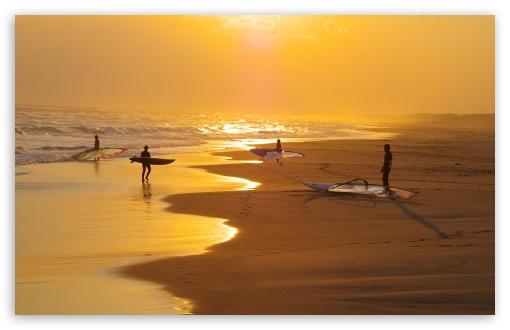 Download Surfers UltraHD Wallpaper