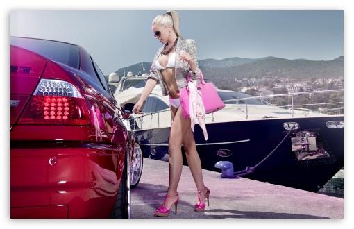 Download BMW M3 Girl UltraHD Wallpaper