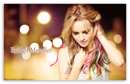 Download Bridgit Mendler UltraHD Wallpaper