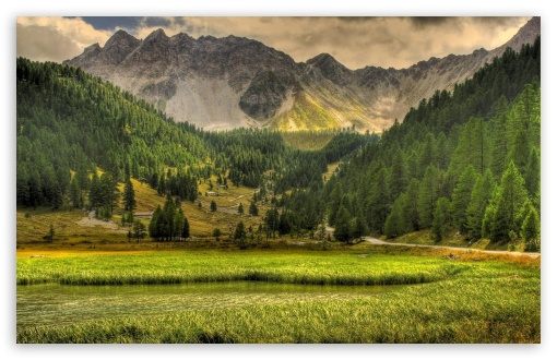 Download Mountains In The Spring UltraHD Wallpaper