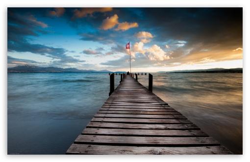 Download Lake Pontoon At Dusk UltraHD Wallpaper