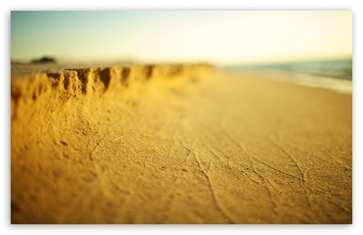 Download Beach Sand Tilt Shift UltraHD Wallpaper