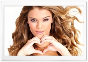 Nina Agdal Heart Hand
