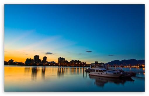 Download Evening City Lights UltraHD Wallpaper
