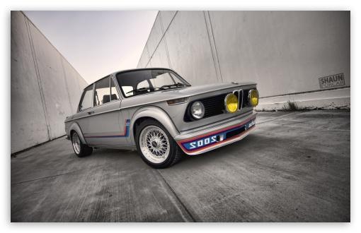 Download Old BMW UltraHD Wallpaper