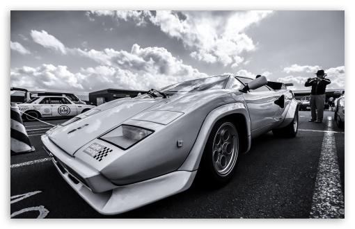 Download An Old Lamborghini UltraHD Wallpaper