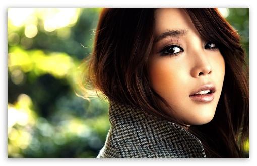 Download Girl Portrait UltraHD Wallpaper