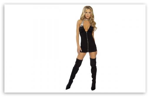 Download Girl In Boots UltraHD Wallpaper