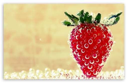 Download Underwater Strawberry, Macro UltraHD Wallpaper
