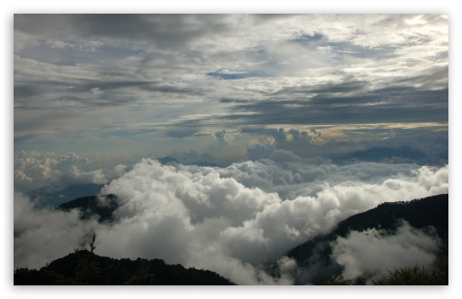Download Clouds And Mountains UltraHD Wallpaper