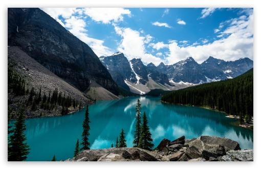 Download Mountains UltraHD Wallpaper