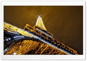 Glittering night in Paris