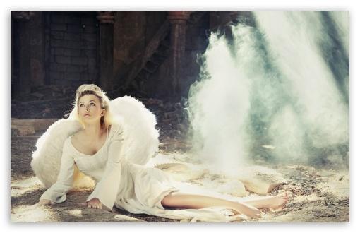 Download Girl With Angel Wings UltraHD Wallpaper