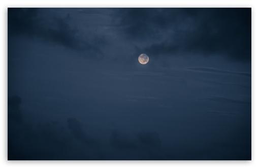 Download Moon UltraHD Wallpaper