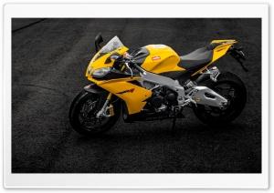 Aprilia RSV4 Yellow...