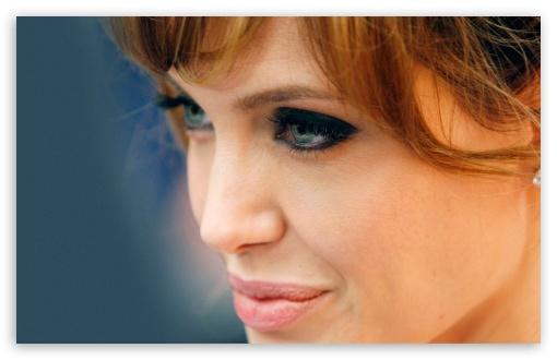 Download Angelina Jolie (2011) UltraHD Wallpaper