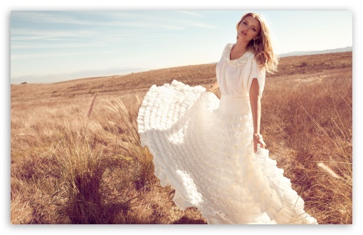 Download Lily Donaldson In White Dress UltraHD Wallpaper