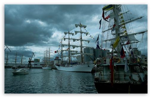 Download Sailing Ships UltraHD Wallpaper