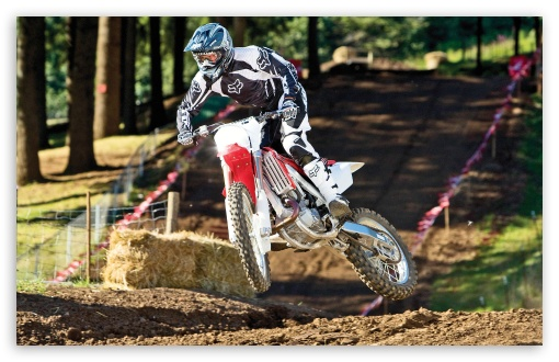 Download Motocross 9 UltraHD Wallpaper