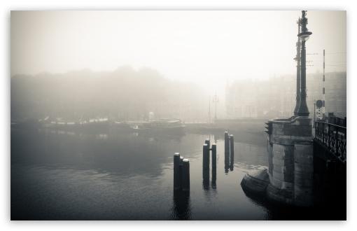 Download Foggy Morning In Amsterdam UltraHD Wallpaper