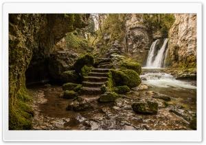 Tine de Conflens waterfall