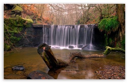 Download Waterfall Autumn UltraHD Wallpaper
