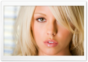 Blonde Girl With Shiny Lips