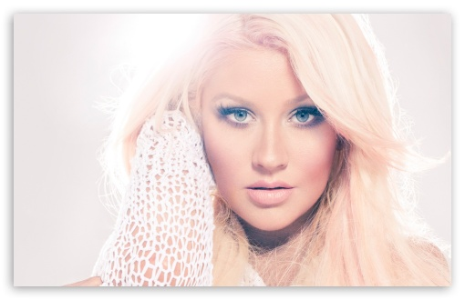 Download Christina Aguilera 2012 UltraHD Wallpaper