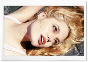 Angelina Jolie Blonde