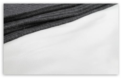 Download Black and White UltraHD Wallpaper