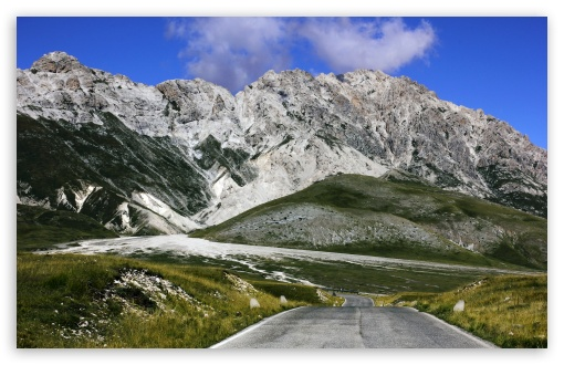 Download Gran Sasso D'italia UltraHD Wallpaper