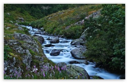 Download Mountain Landscape UltraHD Wallpaper