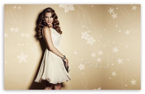 Download Beautiful Kelly Brook UltraHD Wallpaper
