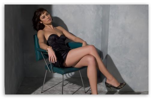 Download Olga Kurylenko In A Black Dress UltraHD Wallpaper