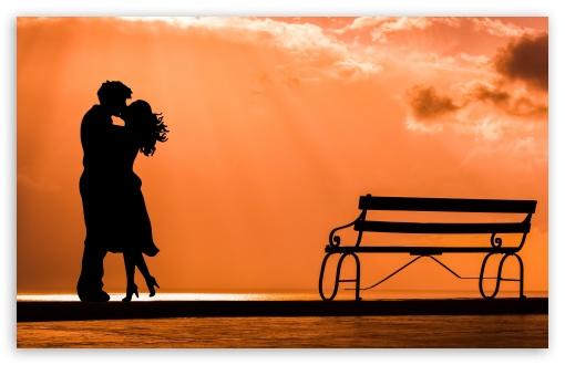 Download Couple in Love UltraHD Wallpaper