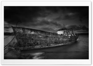 Shipwreck Black and White