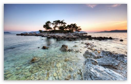 Download Small Island HDR UltraHD Wallpaper