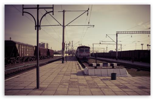 Download Train Station UltraHD Wallpaper