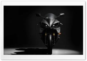 Black Yamaha YZF R1