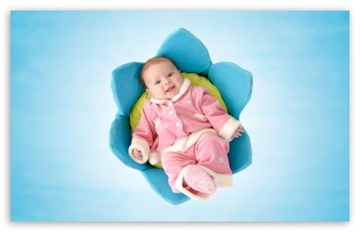 Download Cute Newborn Baby UltraHD Wallpaper